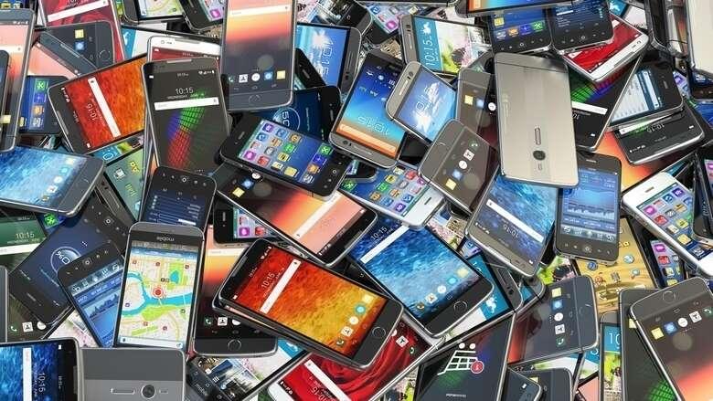 mobile phones, pakistan jail, tv sets, balochistan