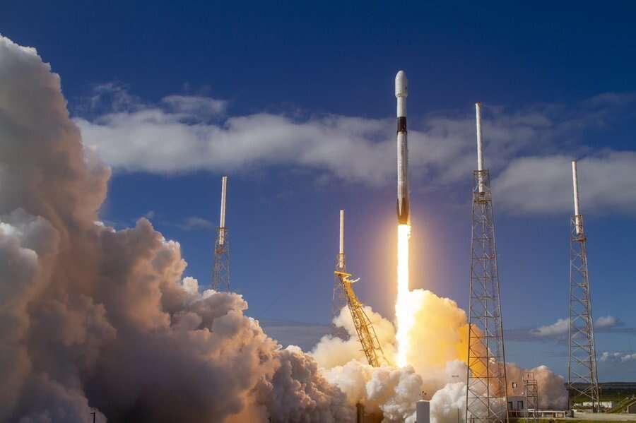 cheap internet, space x, starlink satellites, elon musk