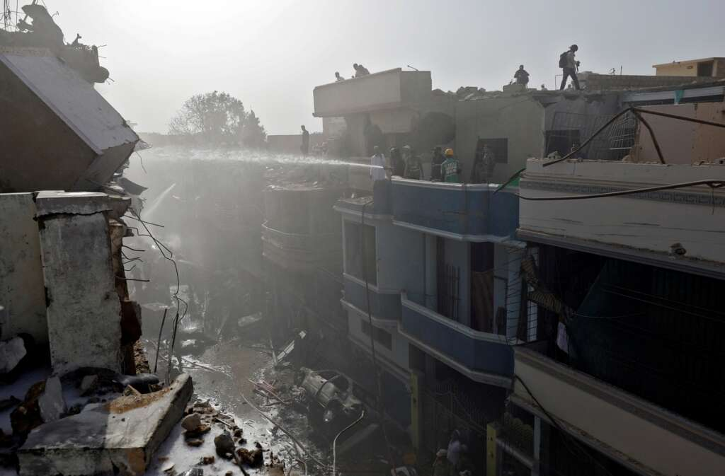 pakistan, pia crash, karachi, covid19