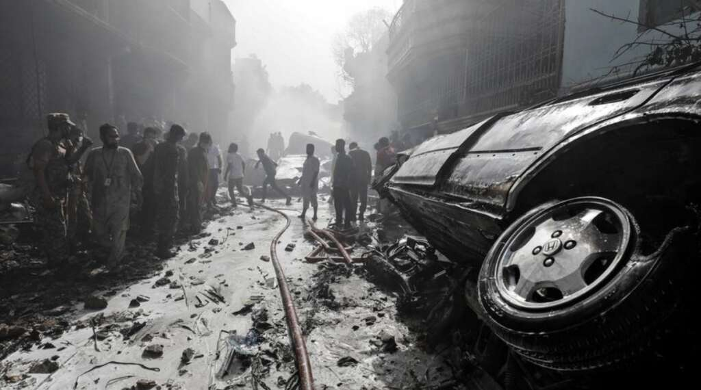 pia crash, karachi, pakistan, coronavirus
