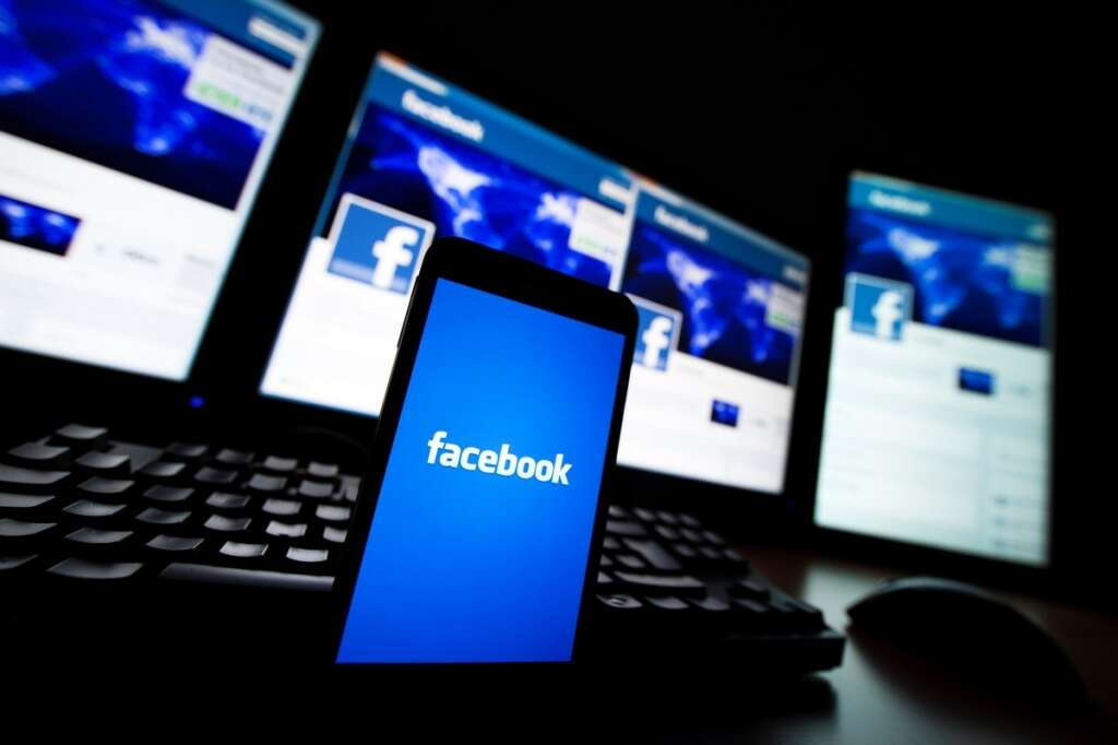 facebook down, facebook outage in uae