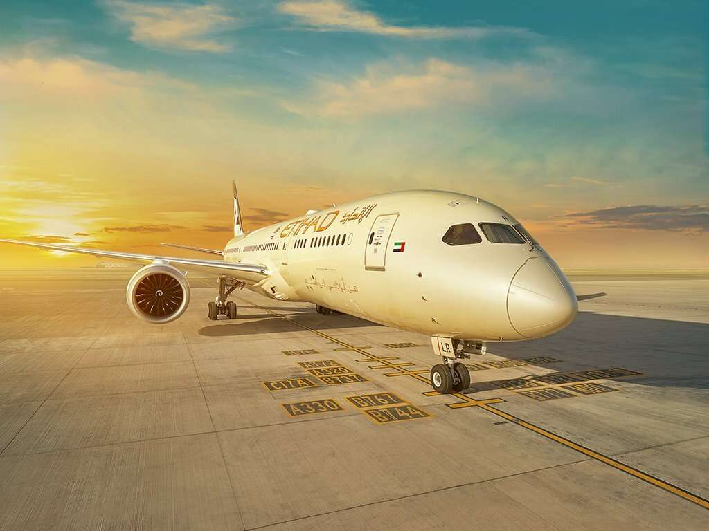 Air Arabia, Etihad, Air Arabia Abu Dhabi, low cost airlines, dubai airshow