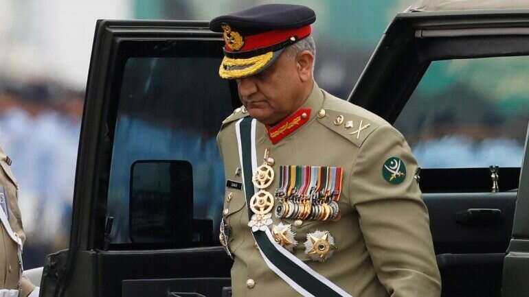 pakistan, bajwa extension, pakistan supreme court, imran khan