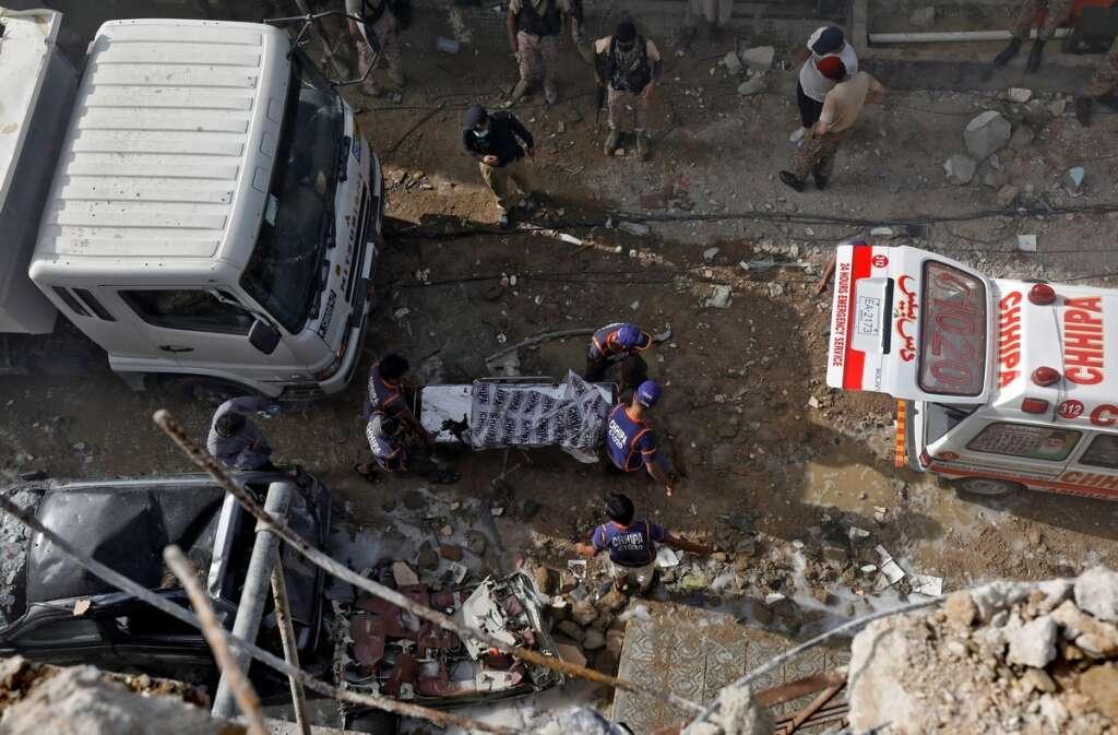 pia plane crash, pakistan, karachi