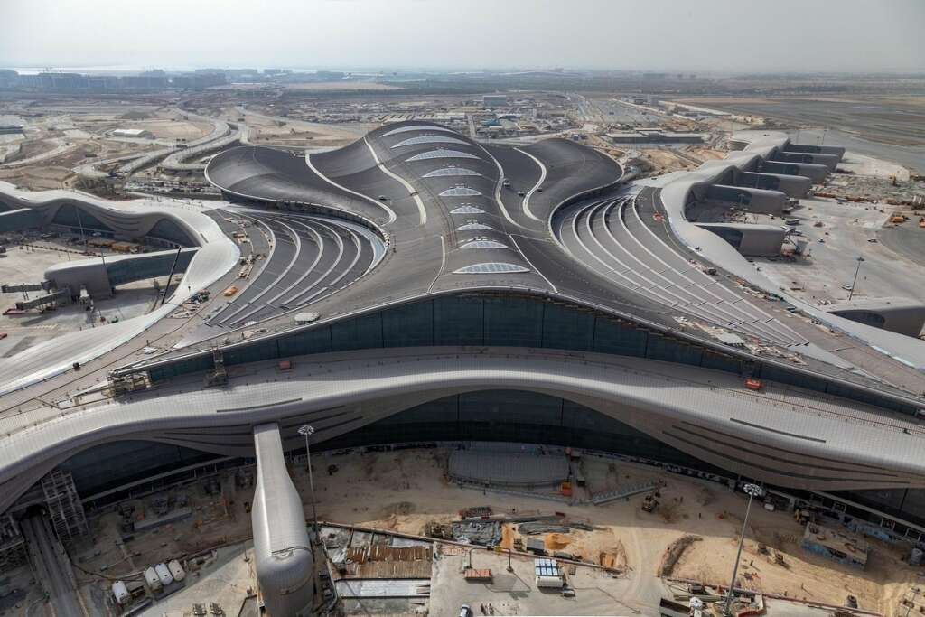 800 people, 2 Etihad jets take part in Abu Dhabi's Midfield terminal