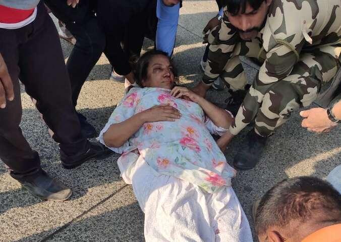 shabana azmi, back from hospital, bollywood legend car crash