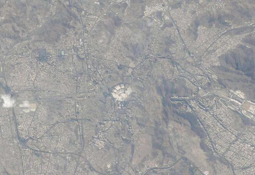 makkah, uae astronaut, hazzaa almansoori, grand mosque, al haram, iss