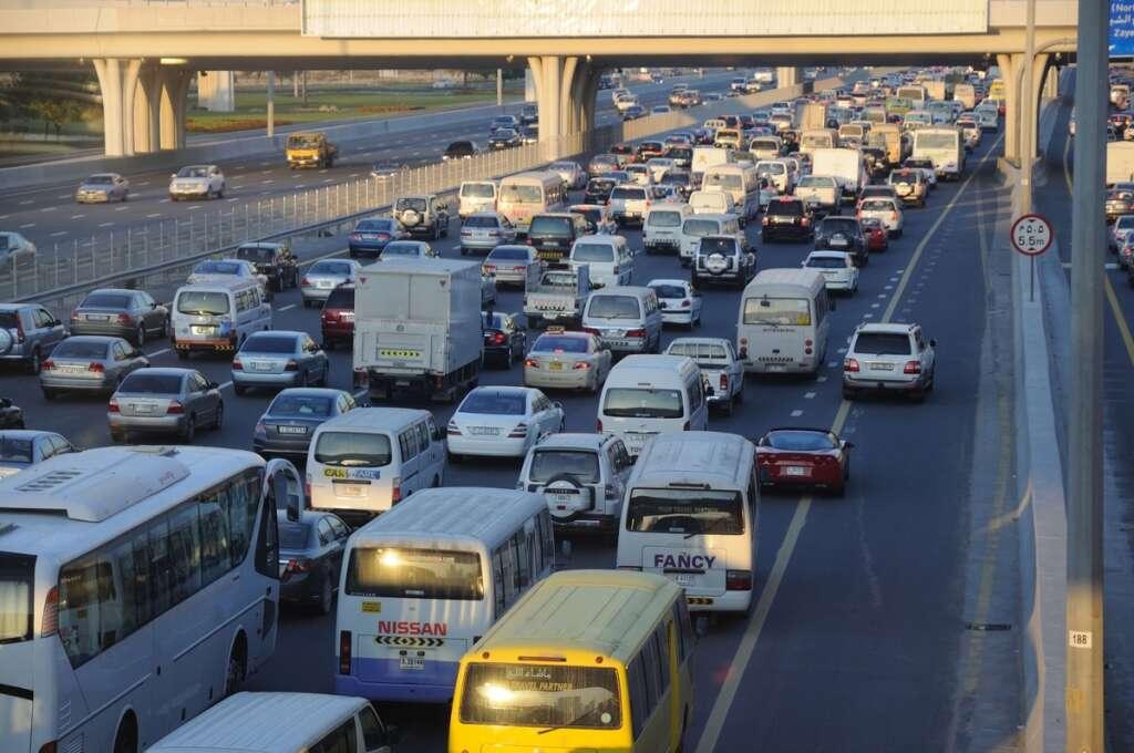 dubai traffic, dubai laws, dubai traffic fines