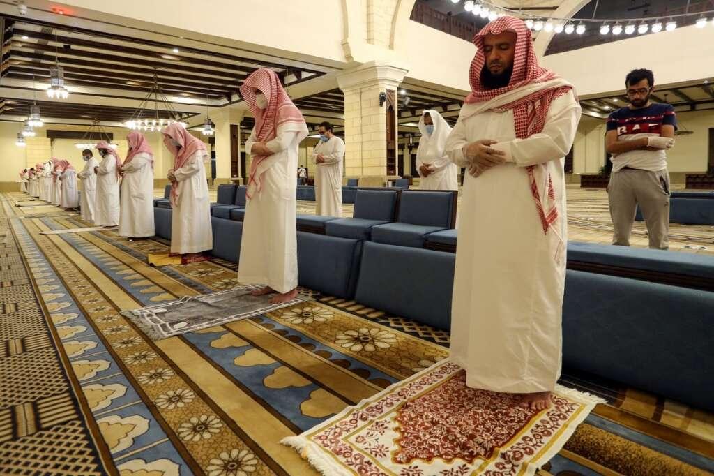saudi arabia, makkah mosques, reopen, mecca, coronavirus, covid19