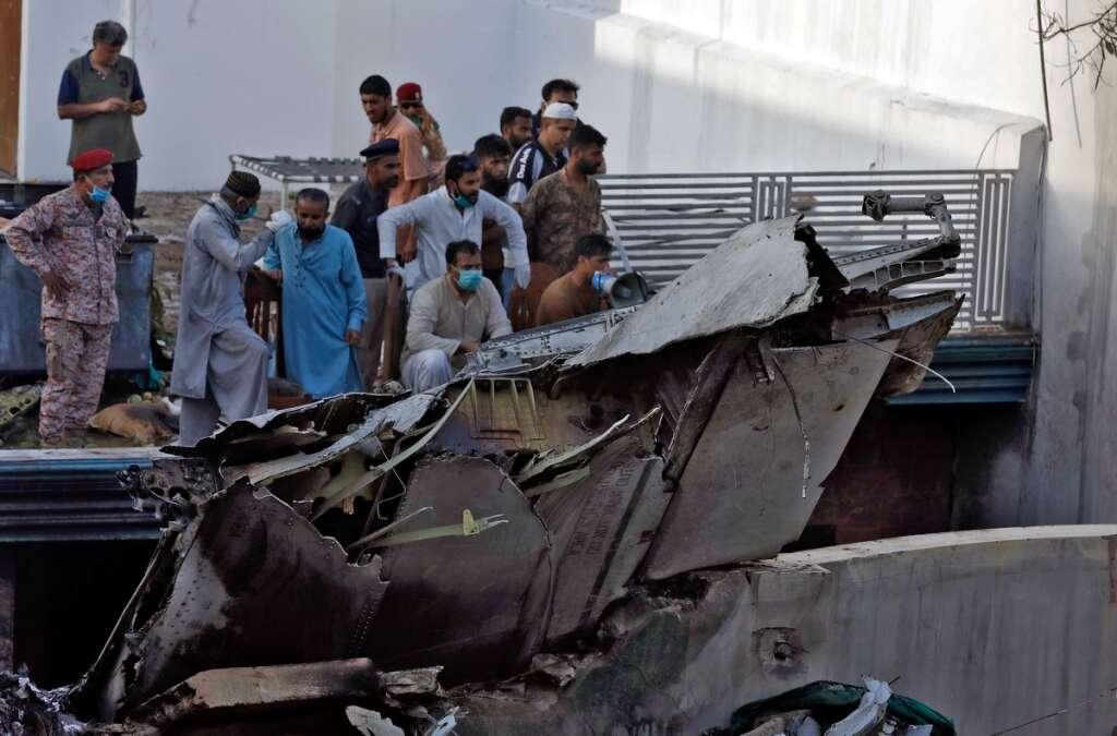 pia crash, pakistan, karachi, airbus, crash report