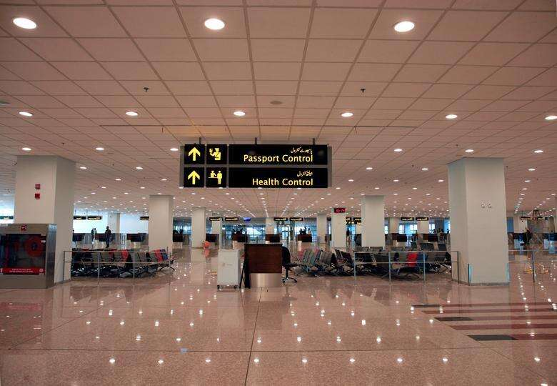 stranded pakistanis, covid in uae, pakistanis flying back home