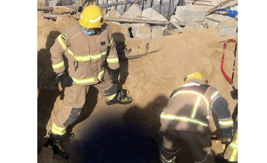 uae, civil defence, expart worker dies