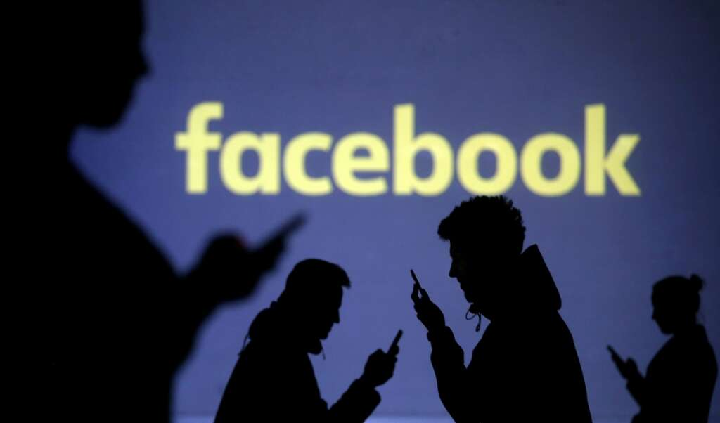 Facebook removes fake pages that originated in Philippines, China