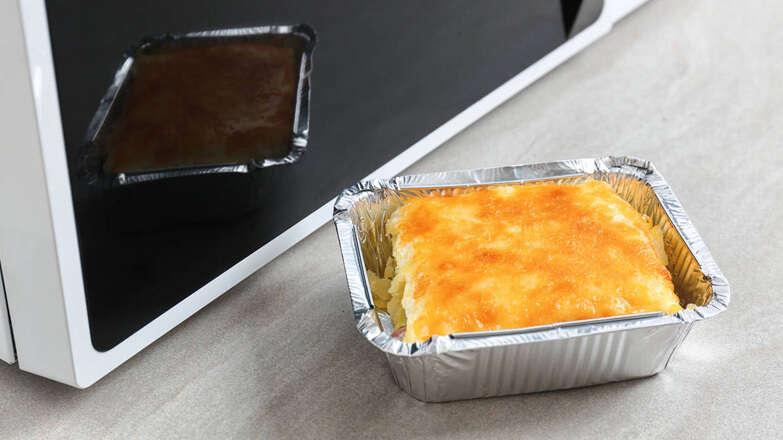 food foil, health warning in uae, heating food in plastic