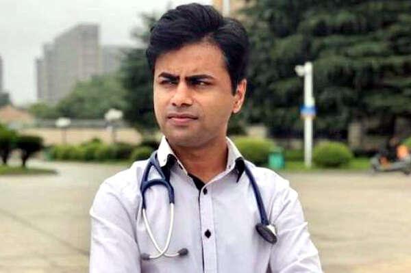 pakistan, dr usman volunteers in wuhan, china virus, coronvirus