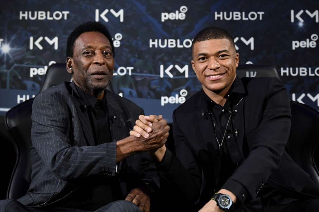 Pele suffering from depression, says son